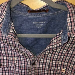 Men's medium Banana Republic button up shirt